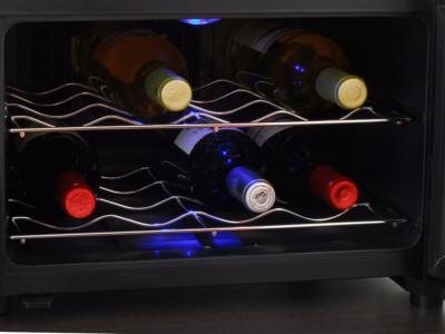 Термоэлектрический винный шкаф: особенности моделей