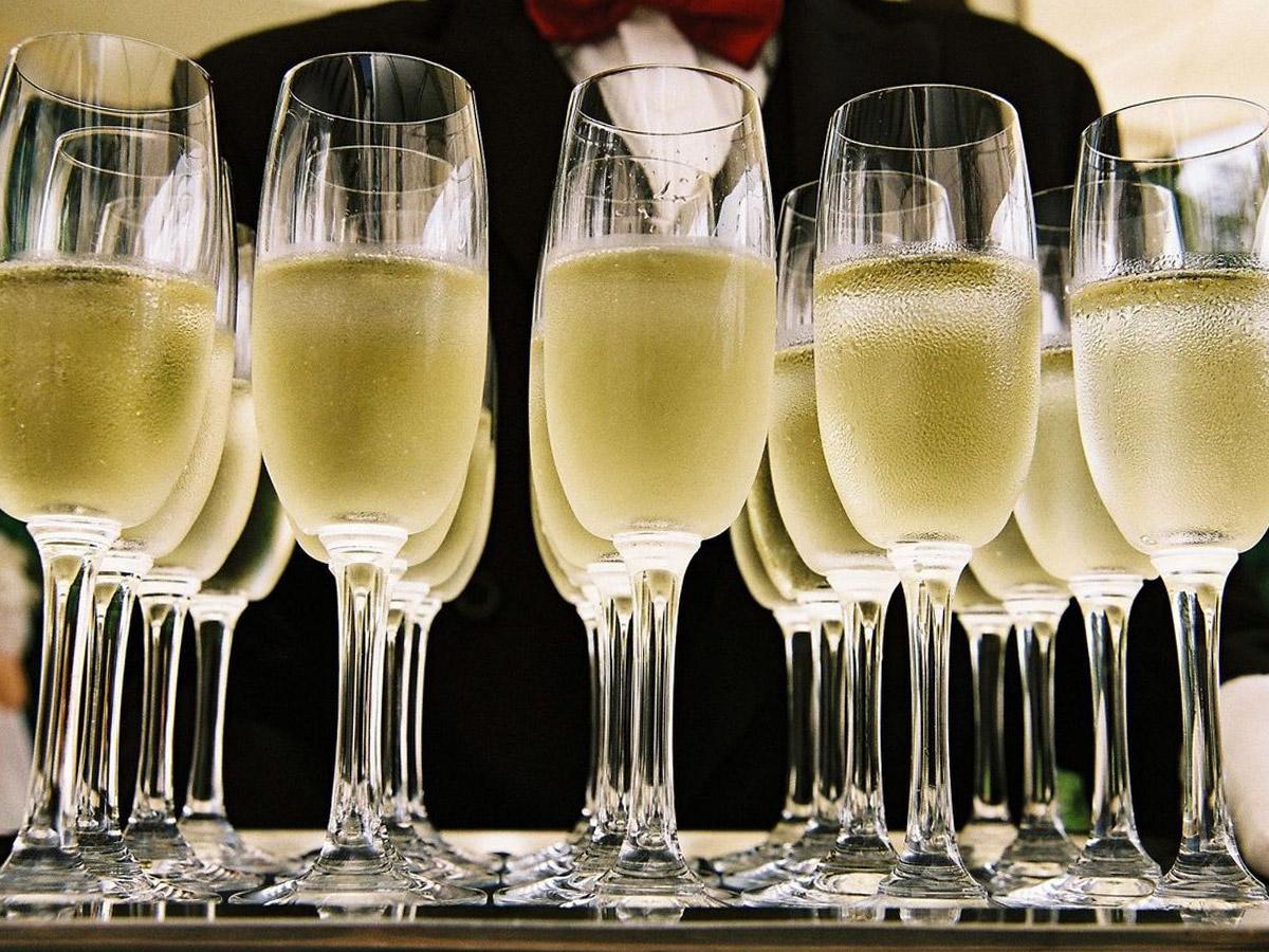 Как выбрать шампанское вино?
